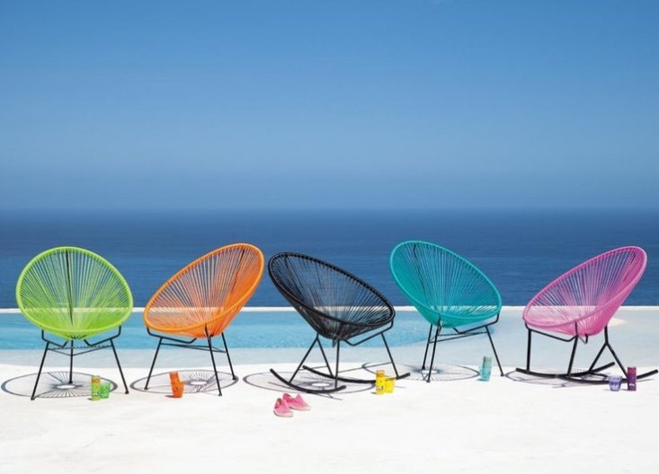 acapulco-chairs-colorful-gardenista