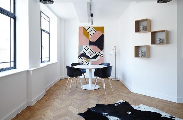 chairs-2181968_1280.jpg