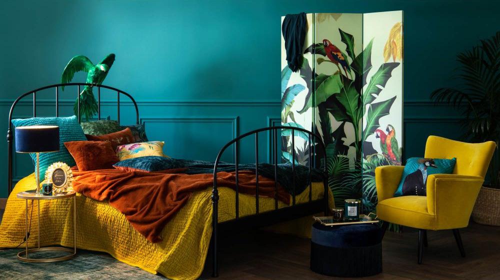 green-exotic-print-cushion-cover-40x40-1000-1-20-185012_7